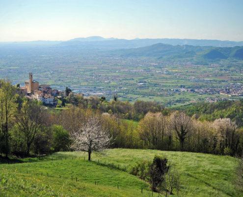Schio vista dall'alto - Agriturismo Il maggiociondolo in provincia di Vicenza